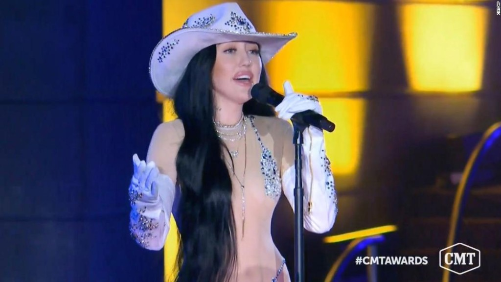 Noah Cyrus was the talk of the 2020 CMT Music Awards because of her outfit