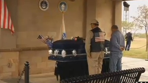 Two vets died with no family to mourn them. 400 strangers made sure that didn't happen
