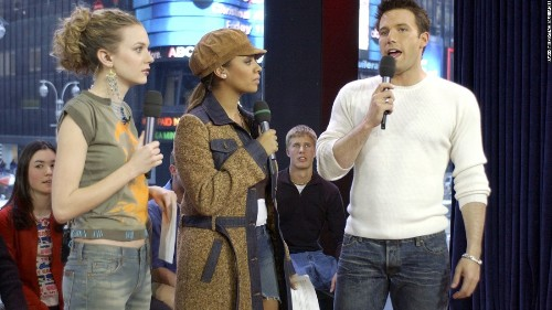 Ben Affleck apologizes for groping Hilarie Burton on camera