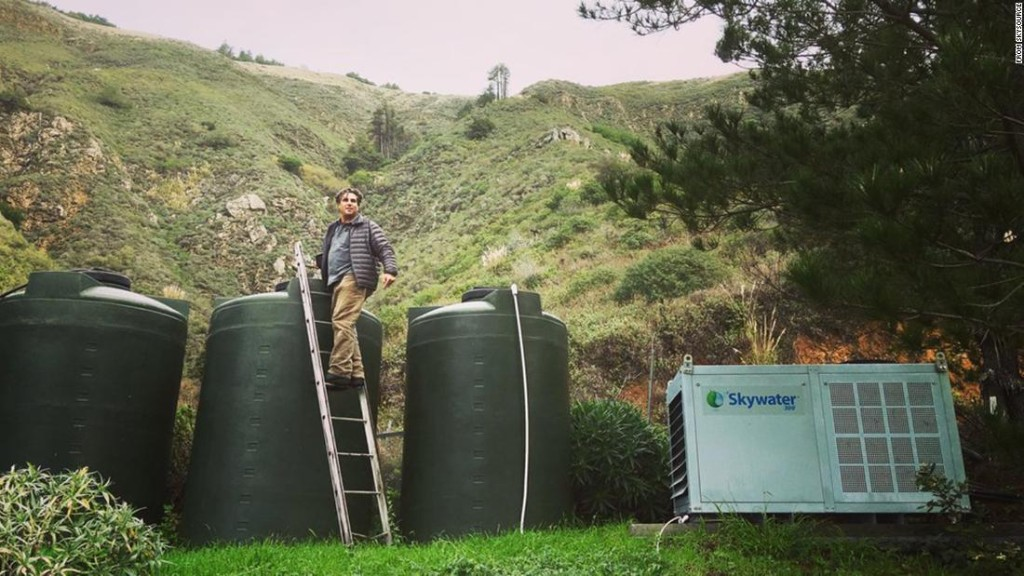 This machine can make gallons of fresh drinking water right out of thin air