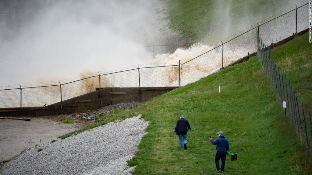 Feds spent 20 years warning Michigan dam was in danger before it failed