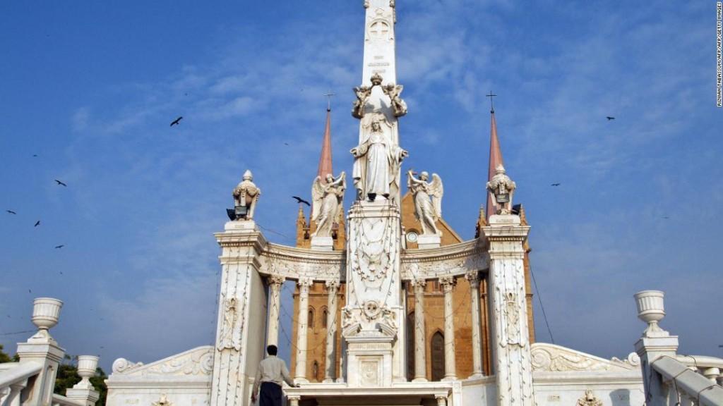 The crumbling colonial-era churches of Pakistan