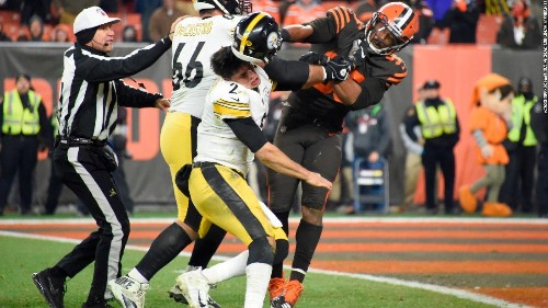 NFL disciplines 33 players in Steelers-Browns brawl, source says