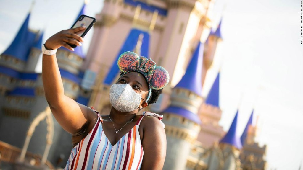 Disney won't give you a picture from your ride if you don't wear a mask