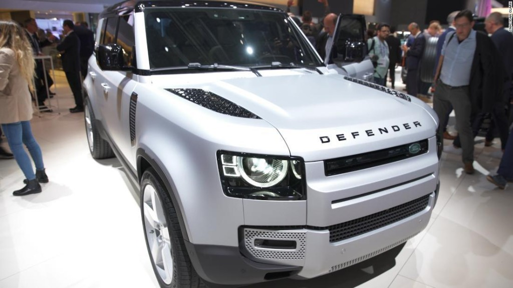 Back after 20 years, the Land Rover Defender is named MotorTrend SUV of the Year