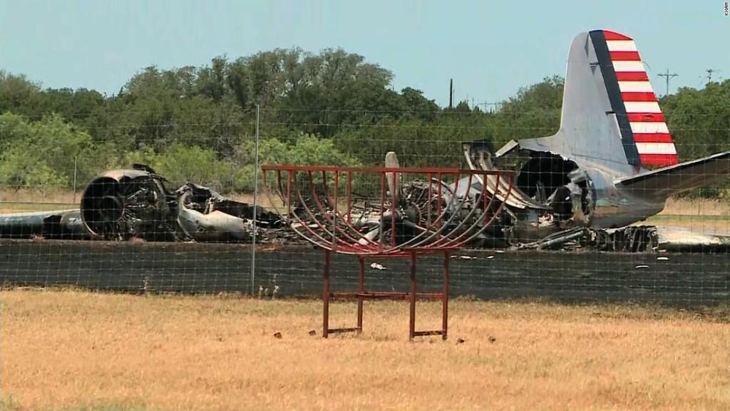 All 13 passengers survive WWII-era plane crash in Texas