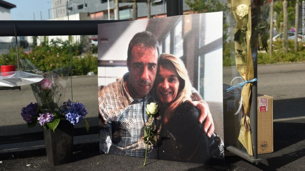 French bus driver attacked over mask rules dies