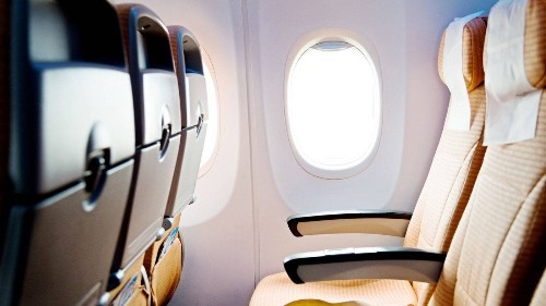 7 Ways to Avoid Germs on a Plane