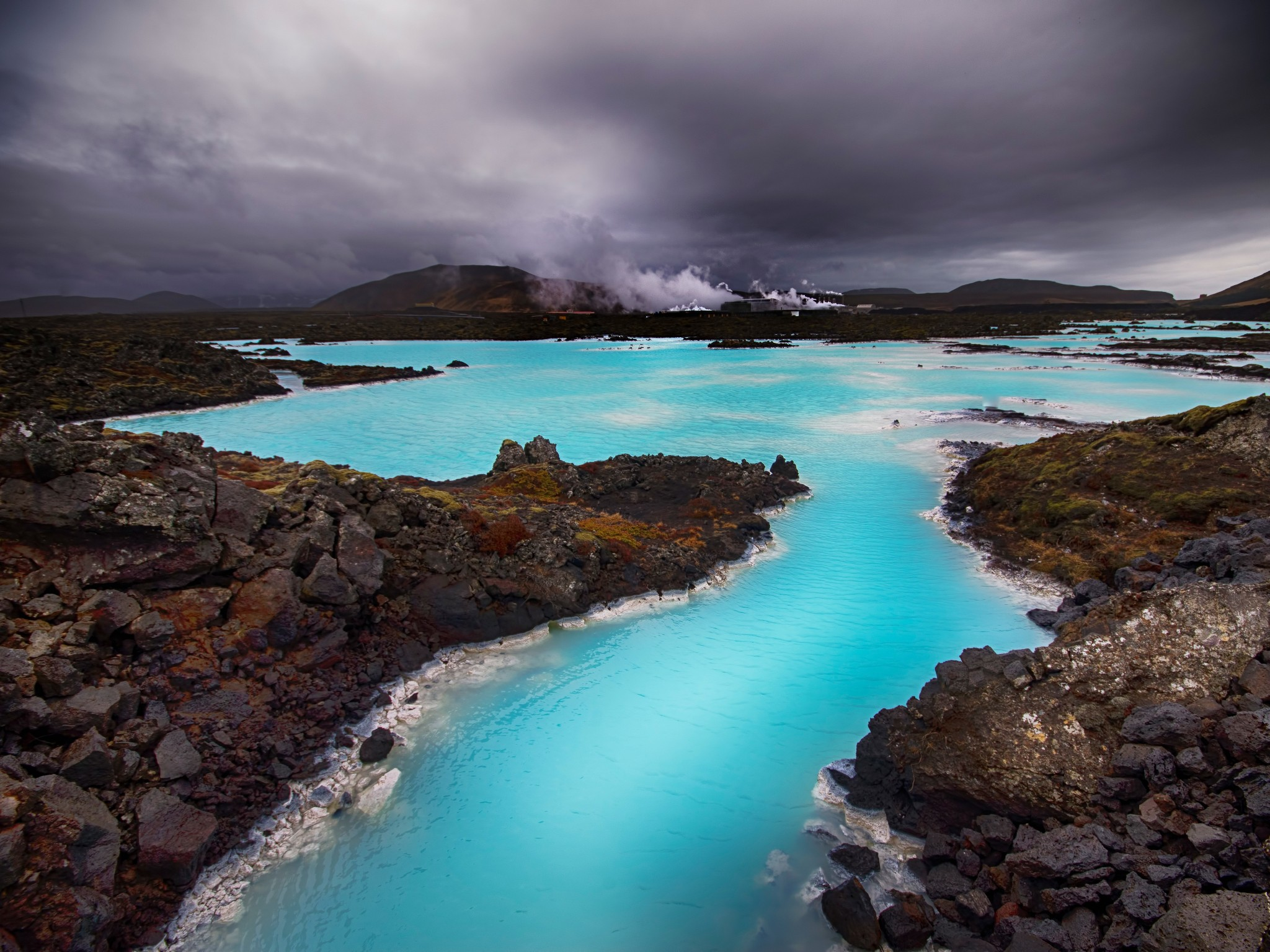 10 Destinations That Prove Water Makes You Happy