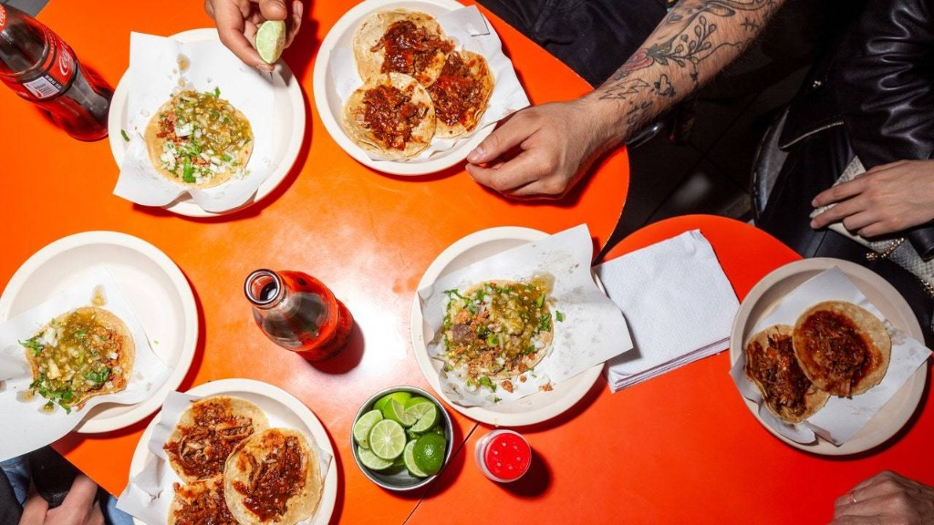 Travelogue Podcast: Our Favorite Late-Night Eats Around the World