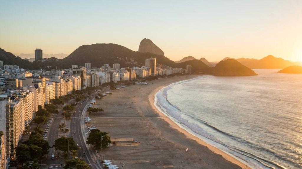 Rio de Janeiro Beaches Will Remain Closed Until There's a Vaccine