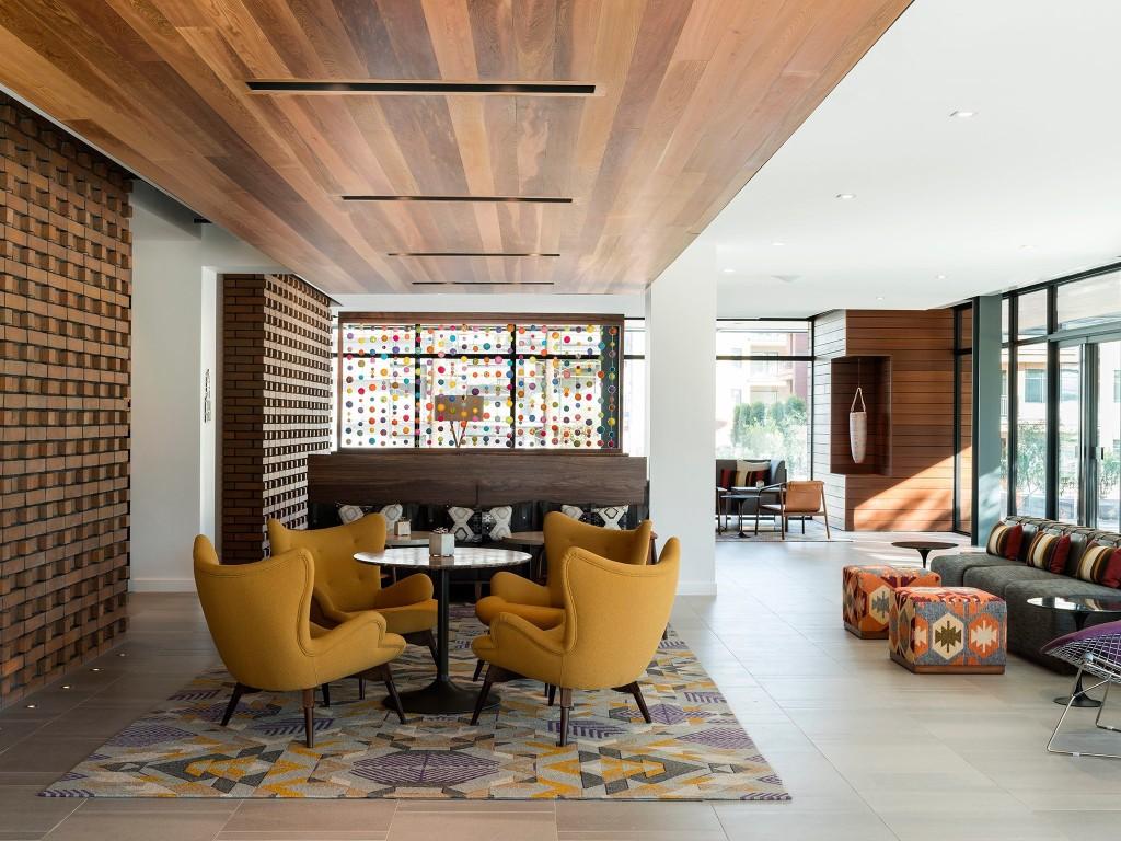 Luxury suites - Magazine cover