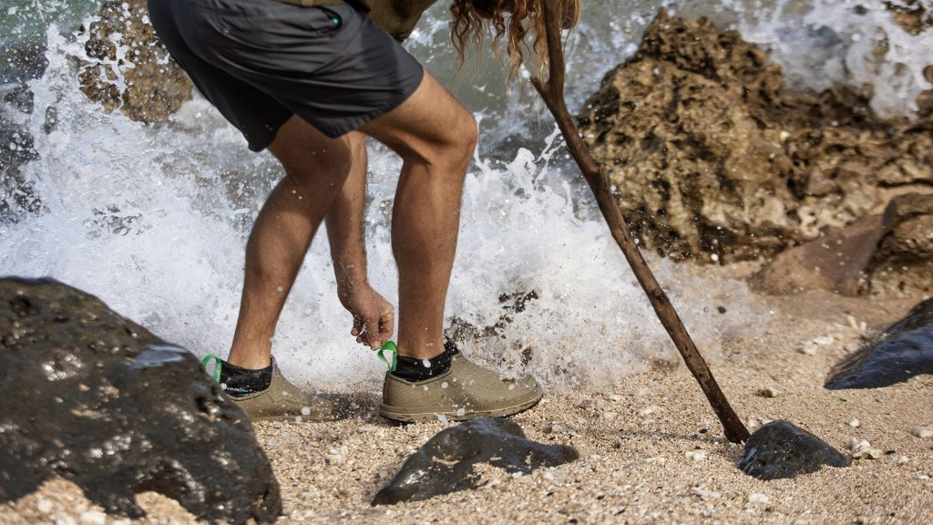 11 Best Water Shoes for Travelers (2020)