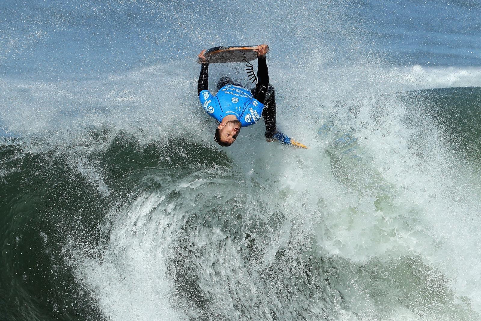 Shark Island Surfing Challenge in Sydney: Pictures