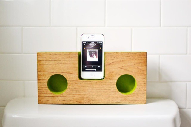 Beautiful Acoustic iPhone Speaker Dock — With DIY Plans