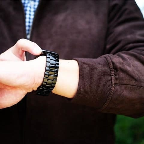Juuk's three-link Velo Apple Watch bands are tapered to fit perfectly [Watch Store]