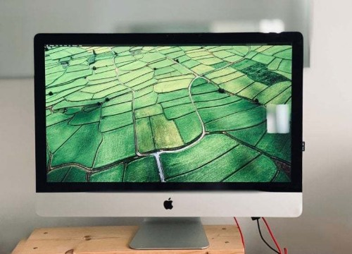 How to fake True Tone on older Macs