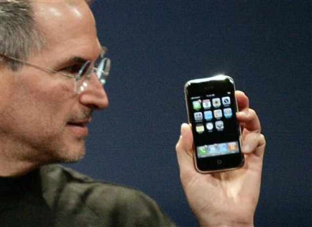 'How did they do that?' New book reveals BlackBerry's response to original iPhone