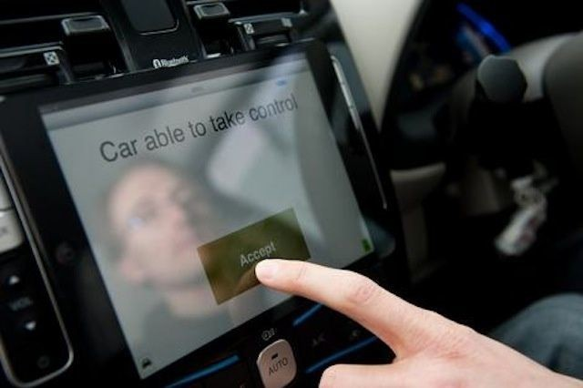"""""""Aggressive"""" Apple To Control 49.8% Of In-Car Infotainment Systems By 2018"""