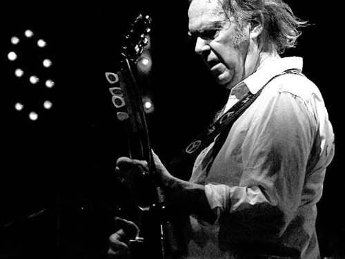Steve Jobs rudely snubbed Neil Young's peace offering