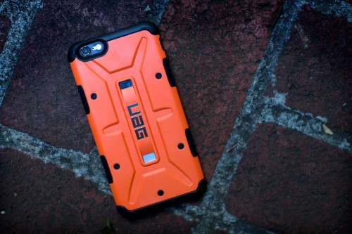 Protective case turns your sleek iPhone into a loud fashion statement