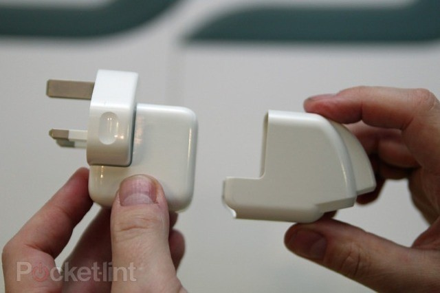 Scosche's CoverCharge Adds A Second USB Port To Your iPad Charger