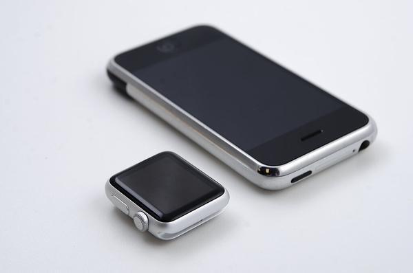 Apple Watch is a miniature replica of the original iPhone