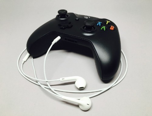How to make EarPods play nicely with Xbox One