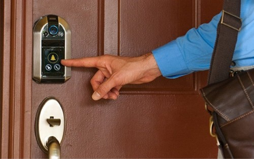 Fancy new smart lock can see who's at your door