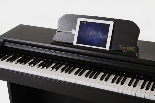 Apple-approved piano teaches you to play the smart way
