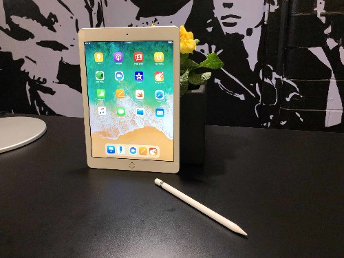 When to expect big price drops on new iPad