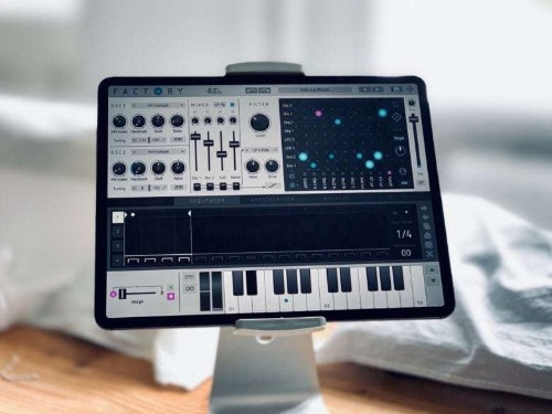 Factory makes other iPad synths look like toys