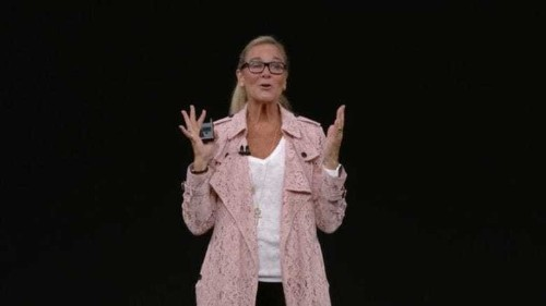 These 8 words persuaded Angela Ahrendts to join Apple