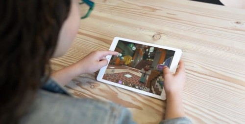 The wait is over for iPad version of Minecraft: Education Edition