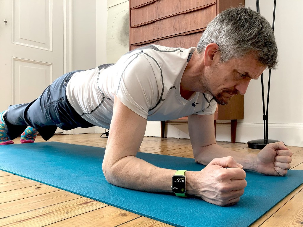 Six-pack home exercises: How to get six-pack abs with Apple Watch