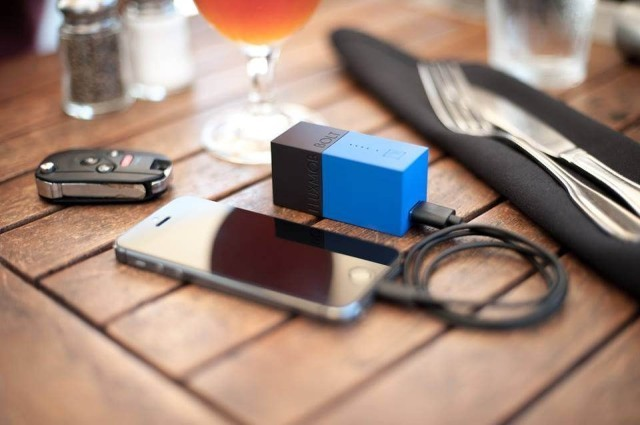 Tiny BOLT Is A Charger And Backup Battery In One