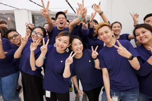 Why Apple's Geniuses seem so glad to accept lower pay