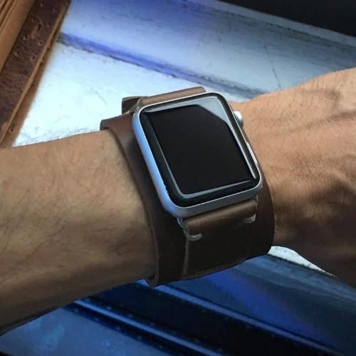 E3's leather Apple Watch bands are made the old-fashioned way