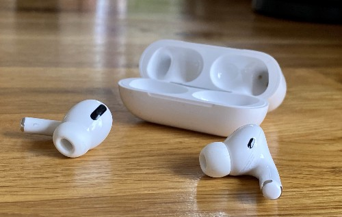 AirPods shipments on course to hit 60 million in 2019