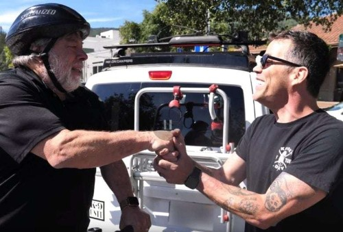 An unlikely friendship: Woz and Steve-O visit the Apple Store