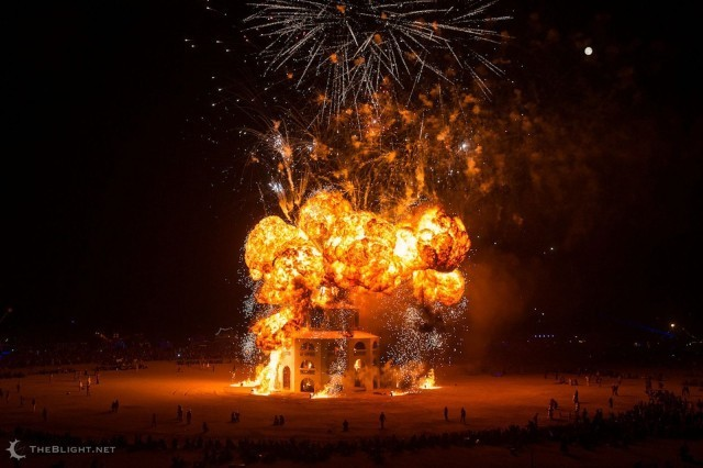 Eight iPhone Apps To Help You Survive Burning Man