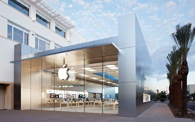 iBeacons Turn Apple Store Into Seamless Spam Machine