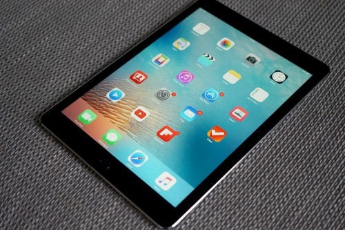 Apple to deliver 3 new iPads this spring, but no new mini