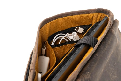 This is the messenger bag Don Draper would carry