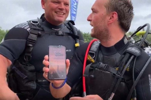 Team of divers discover working iPhone X at the bottom of a lake