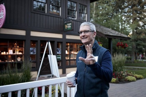 Barista shuts down Tim Cook's request to use Apple Pay