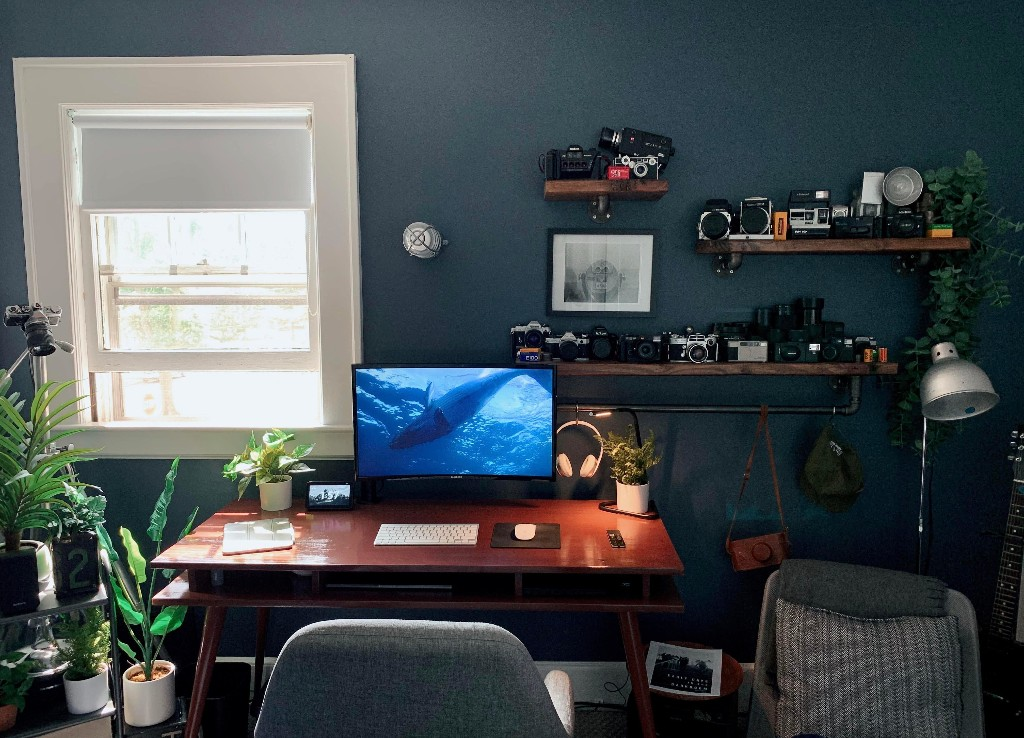 When you want a desk done well, build it yourself [Setups] | Cult of Mac
