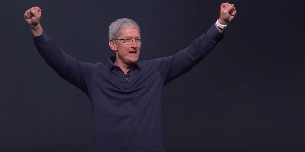 Tim Cook offers fan an internship after Apple Watch saved his life
