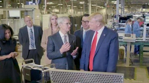 Apple CEO shows his strong relationship with Trump during Mac Pro factory tour