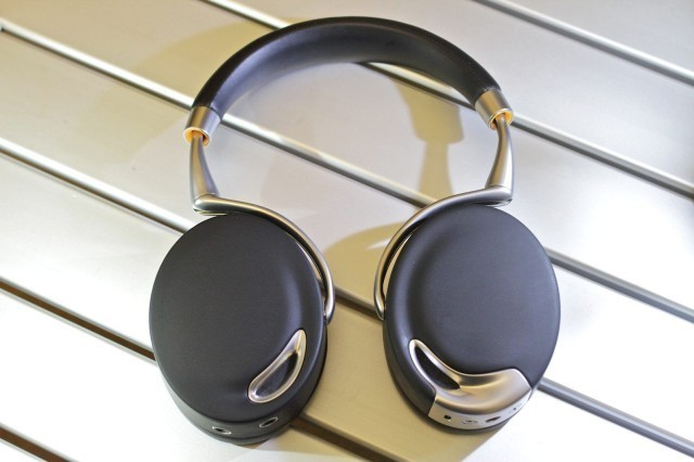 If The Doctor Used Headphones, They Would Be The Brilliant Parrot Ziks [Review]